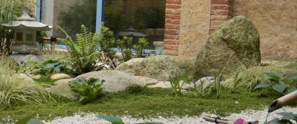 Jardin japonais particulier elegant chemin sinueux au for Jardin zen particulier